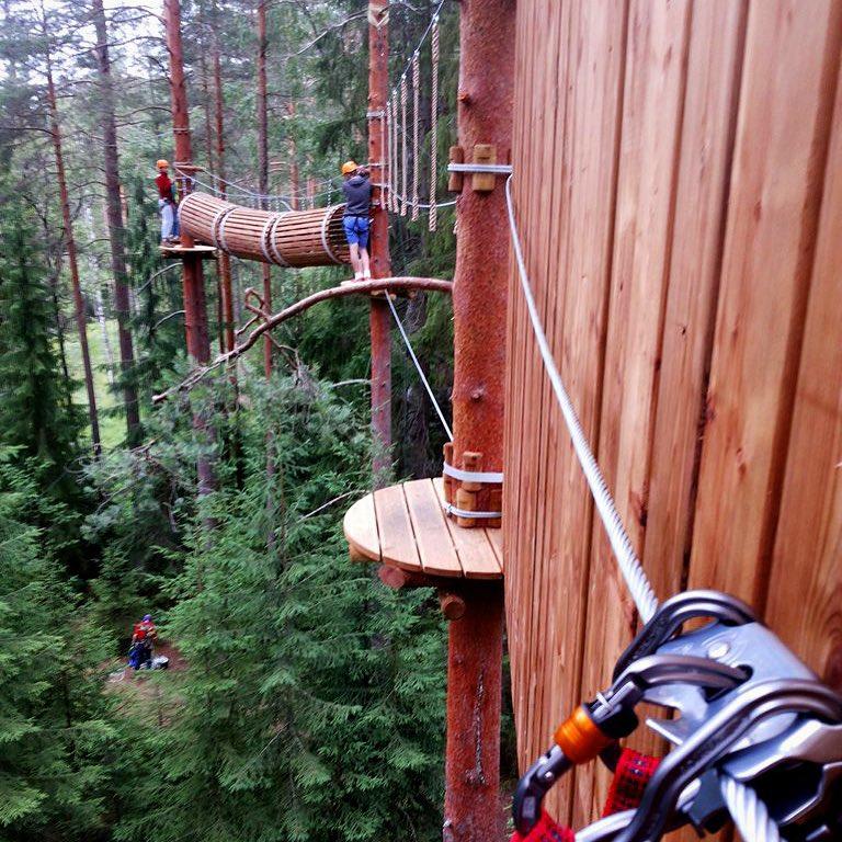 6 разнообразных маршрутов с препятствиями  ждут вас в GREENVALD Парк Скандинавия  Каждый сможет подобрать свой маршрут по силам, а поможет в этом наша команда профессиональных инструкторов