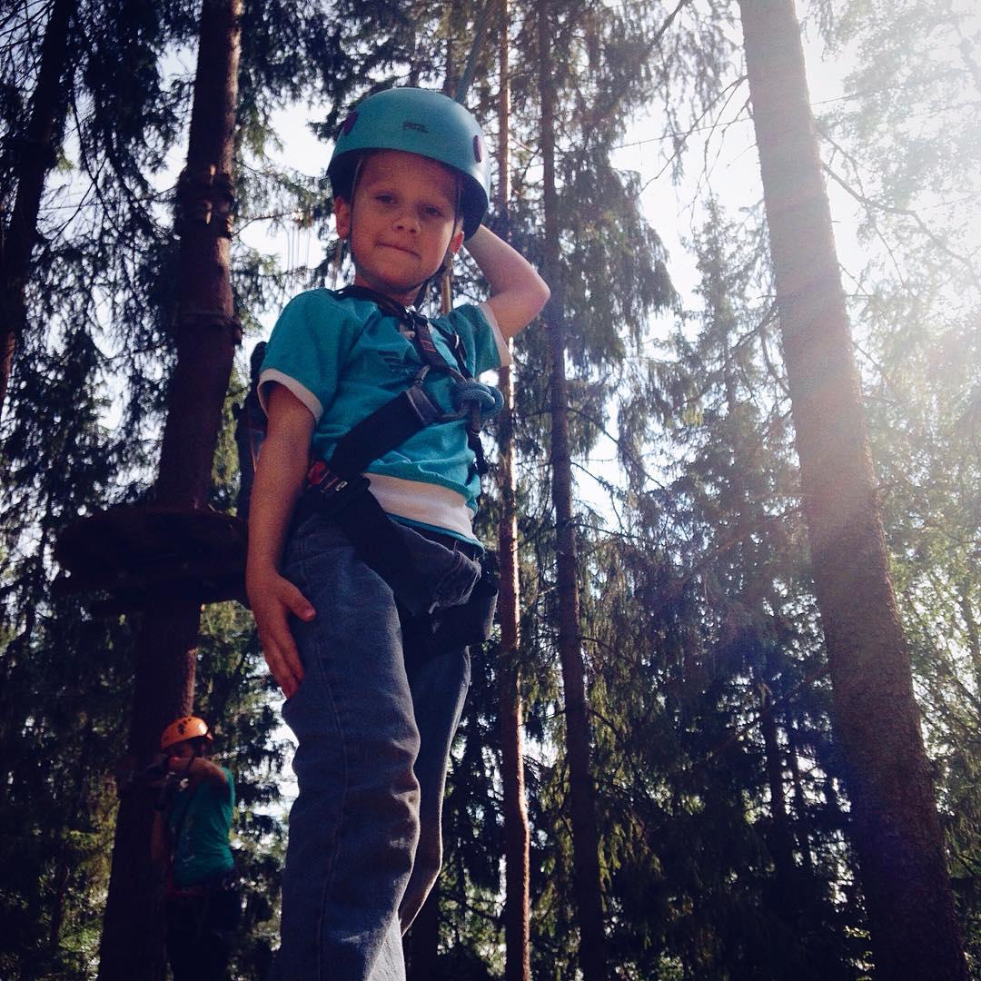 Маршруты веревочного парка GREENVALD Парк Скандинавия  обязательно покорятся маленьким, смелым героям! Ждем вас всей семьей в парке семейного отдыха. Координаты: 60.287649, 29.744828