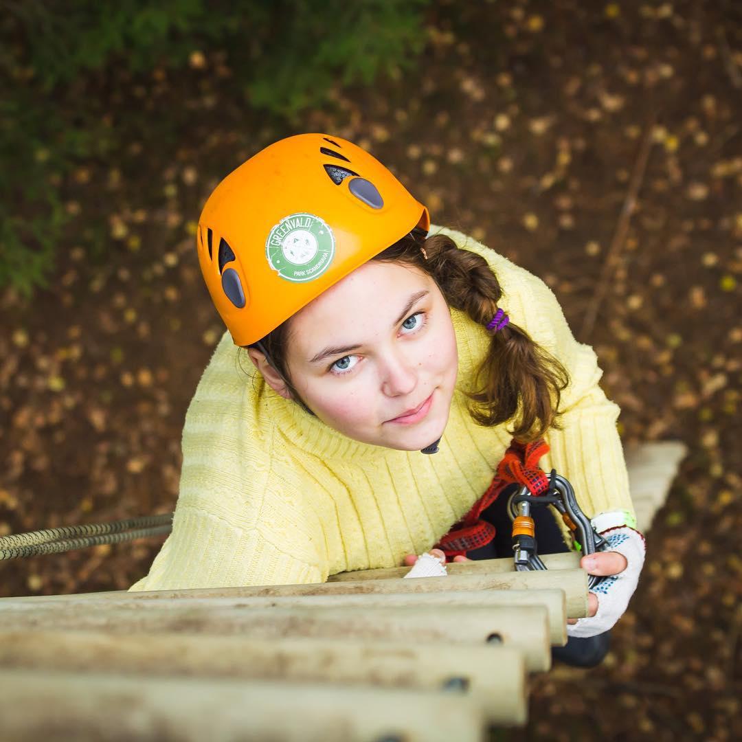 Дарите лучшее вашим детям, особенно во время осенних каникул🏻 А GREENVALD Парк Скандинавия дарит вам скидку 20% на посещение веревочного парка и 50% на аренду бани, ивент-площадки и мангальных беседок работаем каждый день с 10.00 до 19.00 Координаты: 60.287649, 29.744828
