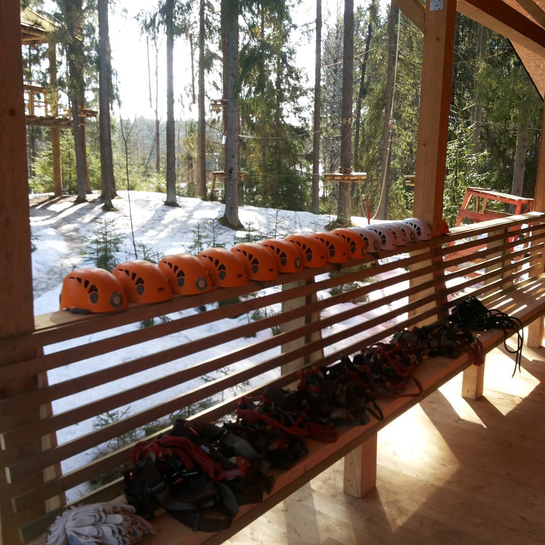 В GREENVALD Парк Скандинавия сегодня прошел первый весенний корпоратив ;) Ура, товарищи и спасибо за доверие к нашим веревкам, интсрукторам, грилю и прогнозу погоды. Она была и впреавду восхитительной!  Координаты:60.287649, пос. Горки, Выборгский р-н, ЛО #greenvaldpark #веревочныйпарк #кудапойтисдетьми #питер #зеленогорск #отдыхсдетьми